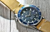 Omega Seamaster 300 Diver blau 2